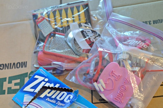 put-smaller-kitchen-and-bathroom-drawers-items-in-large-ziploc-bags